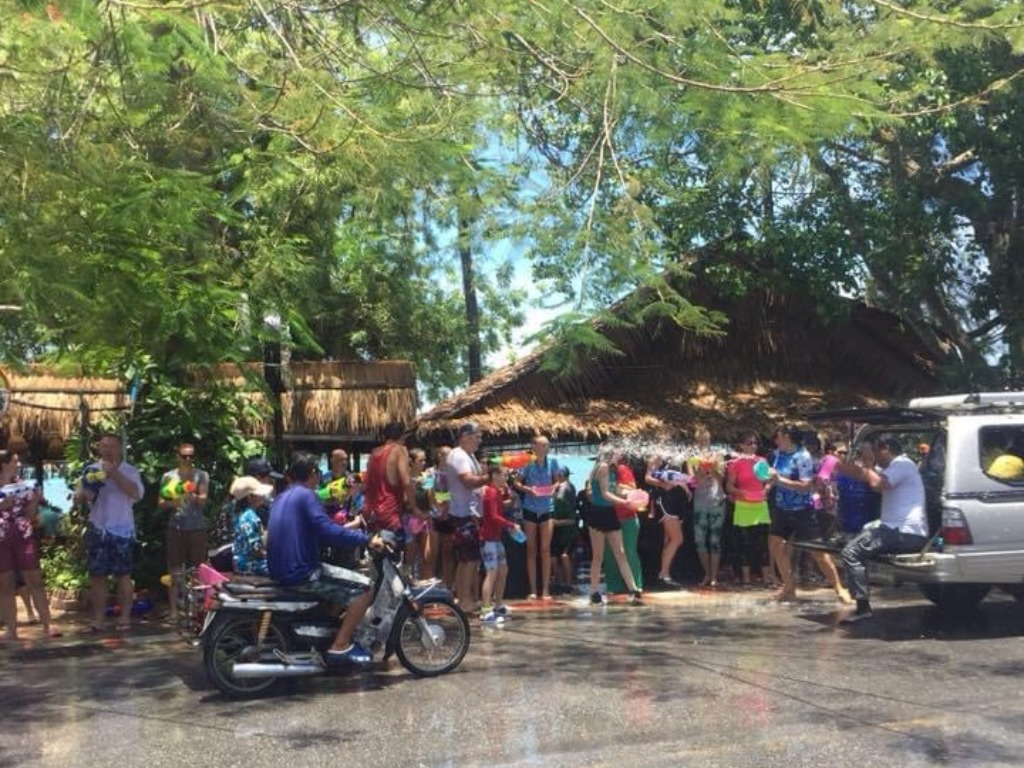 Langdurig-naar-het-buitenland-Songkran-foto-1